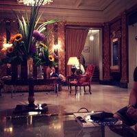 Foto diambil di Hôtel Westminster oleh Вероника Д. pada 7/21/2013
