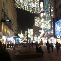 12/22/2012 tarihinde Asim T.ziyaretçi tarafından Kärntner Straße'de çekilen fotoğraf