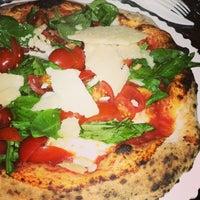 Foto scattata a Gusta Pizza da Pasquale S. il 12/20/2014