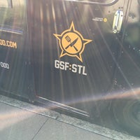 Photo prise au Guerrilla Street Food par Dan S. le10/29/2014