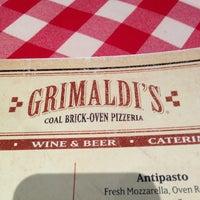 Das Foto wurde bei Grimaldi's von Jarrett S. am 12/31/2012 aufgenommen