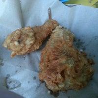 Photo prise au Chicken Tagala par Mike D. le4/10/2014