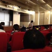 9/22/2012 tarihinde Uchida K.ziyaretçi tarafından Auditorium BINUS University'de çekilen fotoğraf