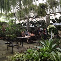 Foto diambil di Bankampu Tropical Café oleh Annie A. pada 9/29/2012