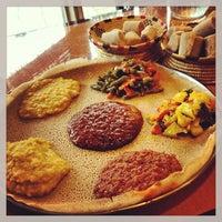 Снимок сделан в Lalibela Ethiopian Restaurant пользователем Ethan t. 7/12/2013