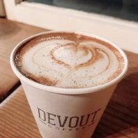Foto scattata a Devout Coffee da Emily C. il 12/29/2019