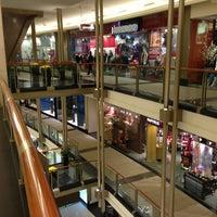 Foto tirada no(a) The Shops At North Bridge por Nick F. em 1/13/2013