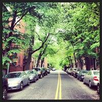 รูปภาพถ่ายที่ Beacon Hill โดย Keith L. เมื่อ 5/20/2013
