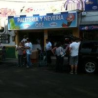 Foto tirada no(a) Helados QBE por Carlos Alberto B. em 12/23/2012