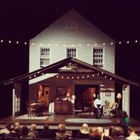 Foto tirada no(a) Steppenwolf Theatre Company por Ivan N. em 4/25/2013