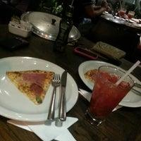 Foto tirada no(a) Marília Pizza Bar por Leandro F. em 1/6/2013