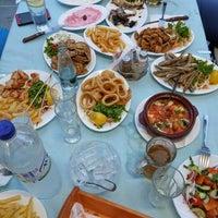 รูปภาพถ่ายที่ Ψαροταβερνα Κουκλις / Kouklis Restaurant โดย Alex G. เมื่อ 7/14/2014