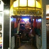 Foto tomada en Smallest Bar por Eric el 11/22/2012