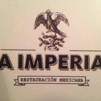 รูปภาพถ่ายที่ La Imperial โดย Jorge T. เมื่อ 11/23/2012