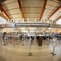 Foto tirada no(a) Raleigh-Durham International Airport (RDU) por Neil A. em 10/17/2013
