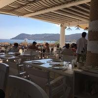 Photo prise au Elia Mediterranean Restaurant par @AnnieOnline le7/31/2018