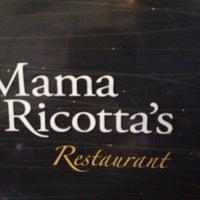 Foto scattata a Mama Ricotta's da Rob A. il 4/28/2013