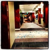 6/9/2013 tarihinde Kris M.ziyaretçi tarafından Hilton'de çekilen fotoğraf