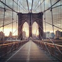 Das Foto wurde bei Brooklyn Bridge von Shirleen L. am 3/3/2013 aufgenommen