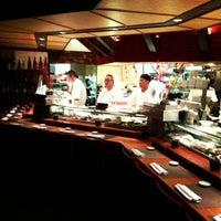 Снимок сделан в Sushi Den пользователем Robert Y. 12/21/2012