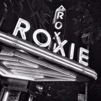 Снимок сделан в Roxie Cinema пользователем Christina R. 12/30/2012