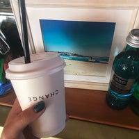 Das Foto wurde bei Surf Coffee von Ratoncito R. am 8/10/2018 aufgenommen