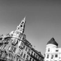 Foto tirada no(a) Avenida dos Aliados por Antonio B. em 5/13/2013
