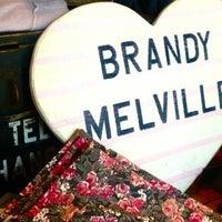Photo prise au Brandy & Melville par Brandy&Melville I. le5/27/2013