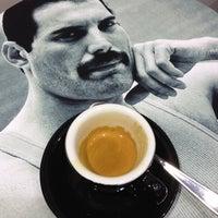 10/10/2013 tarihinde Simonziyaretçi tarafından Mo Espresso'de çekilen fotoğraf