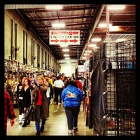 Foto tirada no(a) Frank & Son Collectible Show por sean d. em 4/13/2013