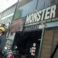 Foto tirada no(a) Monster Headquarters por Diana C. em 1/5/2013
