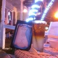 Foto tirada no(a) Rum Bar at the Speakeasy Inn por Robert B. em 12/9/2012