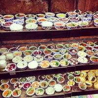 Das Foto wurde bei Lotus Land South Asian Food von dixson l. am 7/12/2013 aufgenommen