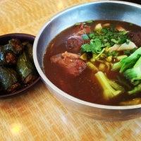 รูปภาพถ่ายที่ Liang's Kitchen โดย N เมื่อ 3/13/2013