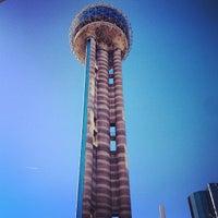 รูปภาพถ่ายที่ Reunion Tower โดย Jerry H. เมื่อ 2/24/2013