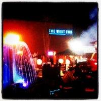 Foto tirada no(a) The West End Gastro Pub por Sarah G. em 11/15/2012