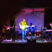 Das Foto wurde bei The Paper Box von Emma Y. am 11/17/2012 aufgenommen