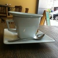 รูปภาพถ่ายที่ Mon Petit โดย René R. เมื่อ 12/10/2012