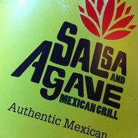 รูปภาพถ่ายที่ Salsa & Agave Mexican Grill โดย Javier G. เมื่อ 11/3/2012