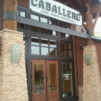 รูปภาพถ่ายที่ Caballero Grill โดย Ronald M. เมื่อ 3/5/2013