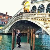 2/15/2013にPera P.がPonte di Rialtoで撮った写真