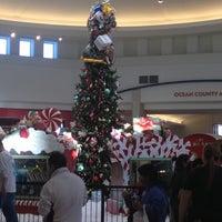 Das Foto wurde bei Ocean County Mall von Laurentius T. am 11/23/2012 aufgenommen