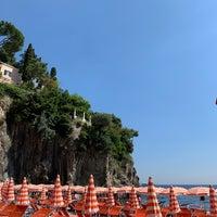 Foto tomada en Bagni d'Arienzo Beach Club por Primrose K. el 7/5/2019