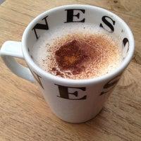 Das Foto wurde bei SWT Cafe von GökçenS am 10/28/2012 aufgenommen