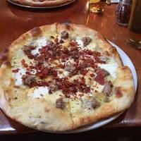 1/25/2015 tarihinde Borys P.ziyaretçi tarafından Mia's Pizzas'de çekilen fotoğraf