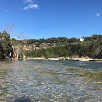 Foto tirada no(a) Lower Barton Creek Greenbelt por Ryan A. em 1/22/2017