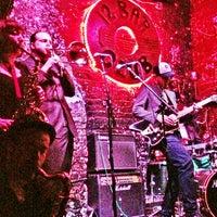 Foto tirada no(a) 12 Bar Club por Frank J. em 3/30/2013