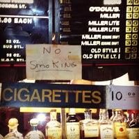 5/2/2012 tarihinde Jen H.ziyaretçi tarafından Richard's Bar'de çekilen fotoğraf