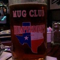 รูปภาพถ่ายที่ Humperdinks Restaurant & Brewpub - Greenville โดย Elaine R. เมื่อ 9/14/2011