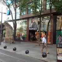Photo prise au Mango par Umut le9/4/2012